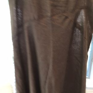Interesting 100% linen long skirt. Interesting hem